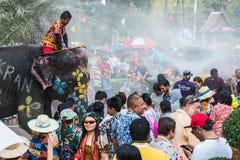 Olifants bespattend water tijdens Songkran-Festival op 13 April, 2018 in Ayutthaya, Thailand Stock Afbeelding