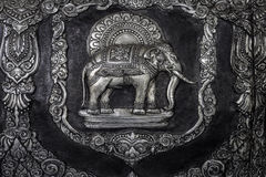 Olifantsbeeldhouwwerk op de tempelmuur Stock Foto's