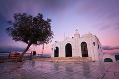 Olijfboom en een kerk, Athene Stock Foto's