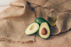 Olijfolie en avocado voor keto dieet royalty-vrije stock foto