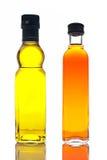 Olijfolie en azijn stock afbeeldingen