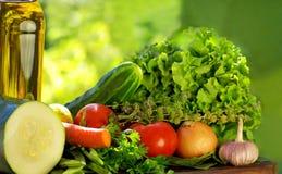Olijfolie en groenten. Stock Fotografie
