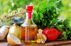 Olijfolie en Mediterrane keuken stock foto's