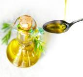 Olijfolie en rozemarijn Royalty-vrije Stock Foto's