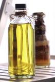 Olijfolie met kruiden Royalty-vrije Stock Foto's