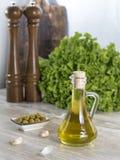 Olijfolie met olijven Stock Fotografie