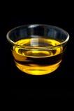 Olijfolie - zwarte achtergrond Stock Afbeelding