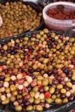 Olijven, groenten in het zuur Royalty-vrije Stock Afbeeldingen