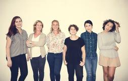 Olik grupp av kvinnor som ut hänger Royaltyfria Foton