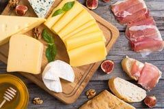 olik kind för ost arkivbilder