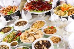 Olik kinesisk mat Arkivfoton