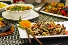 Olik kinesisk mat Arkivbilder
