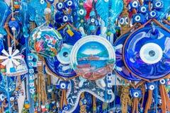 Olik sort av blåa souvenir om den Bodrum staden royaltyfri foto