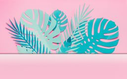 Olik turkosblå tropisk sidaram eller gräns med kopieringsutrymme för din design på pastellfärgad rosa bakgrund Idérik orientering fotografering för bildbyråer