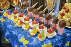 Olik typ av efterrätten på hotellet för ramadhan buffé Royaltyfri Bild
