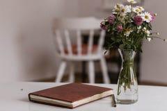 olika blommor för bukett Arkivfoton