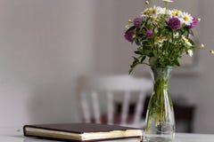 olika blommor för bukett Arkivbild