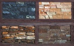 Olika dekorativa tegelplattor och naturliga stenprövkopior Arkivfoto