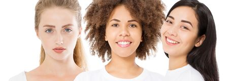 Olika etnicitetkvinnor asiat, afrikan, caucasian omsorg för skönhethudframsida Närbildstående, av flickacollage som isoleras på v arkivfoton