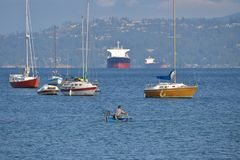 Olika fartyg i hamnen Royaltyfri Fotografi