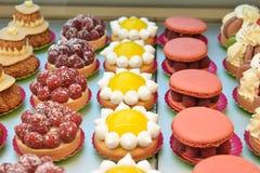 Olika franska kakor Royaltyfri Foto