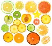 olika frukter inställda skivor Royaltyfria Bilder