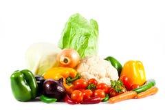 Olika grönsaker som isoleras på sund mat för vit bakgrund Arkivbild