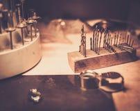 Olika guldsmedhjälpmedel Royaltyfri Fotografi