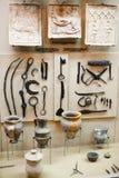 Olika hjälpmedel i museum Royaltyfria Bilder