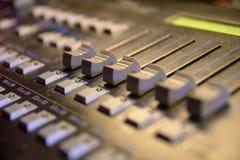 Olika knappar hjälpmedel för panel för administration för maskin för digital förlaga för kontrolldataapparat modern utrustning arkivfoton