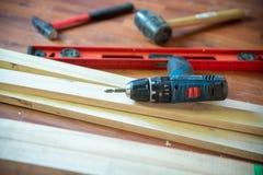 Olika konstruktionshjälpmedel med handhjälpmedel för hem- renovering royaltyfri fotografi