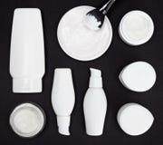 Olika kosmetiska produkter för hudomsorg Royaltyfri Foto