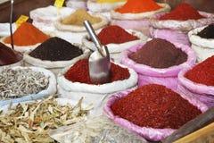Olika kryddor på marknaden Royaltyfri Fotografi