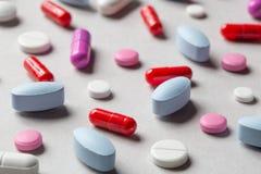 Olika medicinpreventivpillerar Arkivfoto