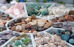 Olika mineraler på försäljning Royaltyfria Foton