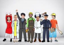 Olika multietniska barn med olika jobb Arkivfoton