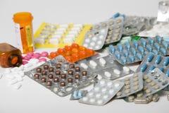 olika olika mediciner Arkivfoton