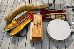 Olika originella musikaliska instrument Fotografering för Bildbyråer