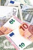 olika pengar för länder Arkivfoton