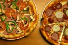 olika pizzas två Royaltyfri Fotografi