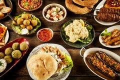 Olika plattor fyllde med mitt - östlig mat Fotografering för Bildbyråer