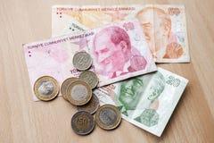 Olika sedlar och mynt Turkiska pengar Royaltyfri Fotografi