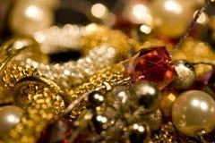 olika smycken Royaltyfri Fotografi