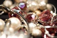 olika smycken Arkivbild