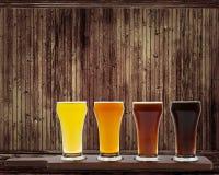 olika sorter av öl Fotografering för Bildbyråer