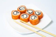 Olika sorter av sushi och sashimien Royaltyfria Foton