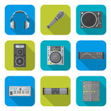 Olika symboler för apparater för ljud för färglägenhetstil ställde in Royaltyfri Foto