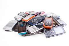 olika telefoner för cell arkivfoto