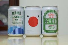 Olika tre kan utforma av Taiwan öl Royaltyfri Foto