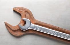 olika två skiftnycklar Royaltyfri Fotografi